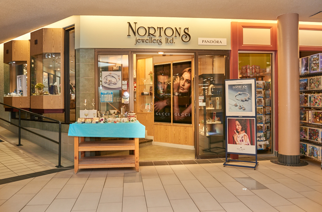 Norton's Jewllers, Confederation Court Mall
