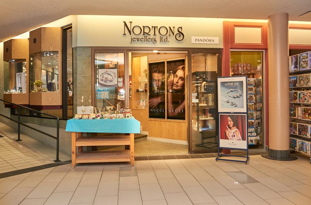 Norton's Jewllers, Confederation Court Mall
